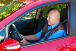 Kfz-Versicherungen sind für Senioren teuer