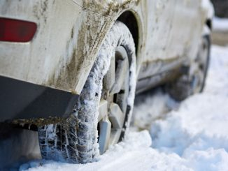 Schnee, Streusalz und Co. verschmelzen zu einer aggressiven Mischung